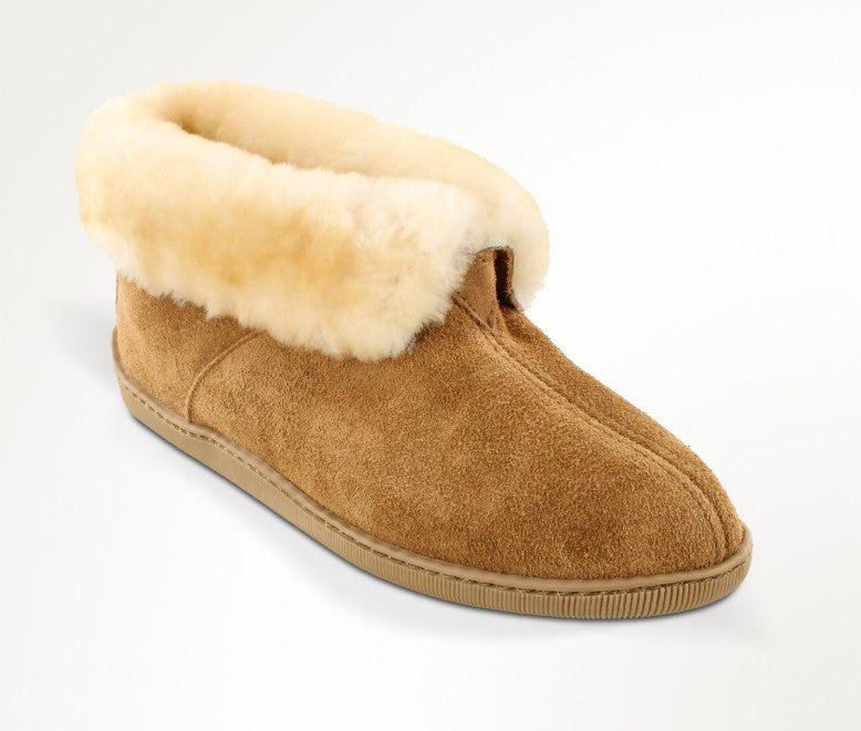 Men's Minnetonka Sheepskin Ankle Boot #3751
