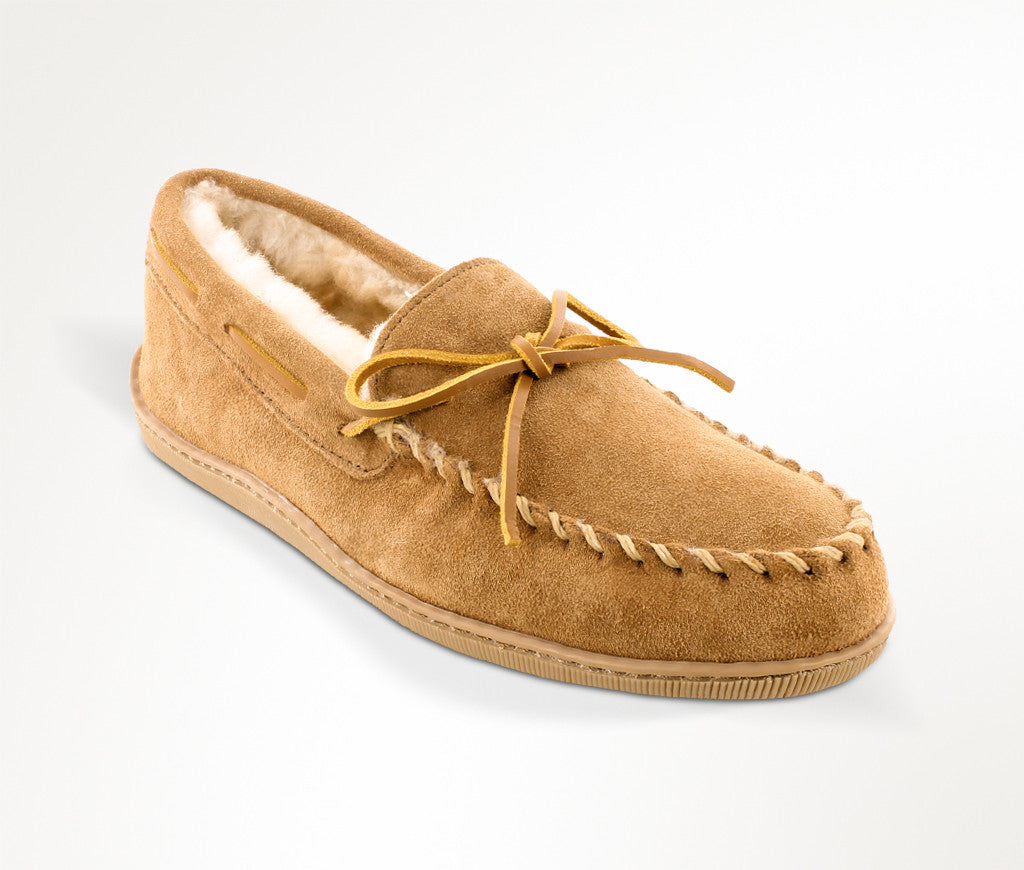 Men's Minnetonka Sheepskin Hardsole Moccasin Slipper #3741