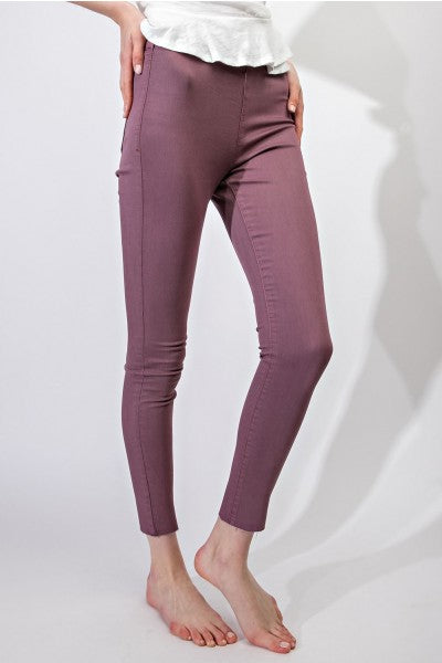Elastic-Waist Crop Frayed Jeggings