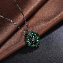 Load image into Gallery viewer, Burst Of Radiance Emerald Necklace