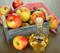 apples and apple cider vinegar, ingredients in all-natural face exfoliators