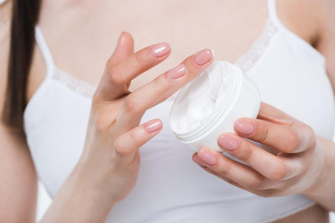 How to give yourself an at home facial sio beauty an at home facial can be done anytime but we recommend that you do it before bed to give your skin plenty of time to heal and rejuvenate solutioingenieria Image collections