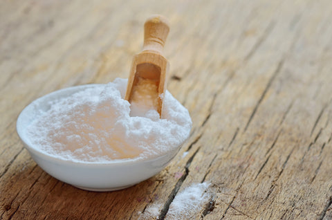 Baking soda and coconut oil face mask for acne