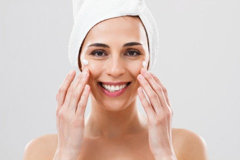 using moisturizer and serum to reduce smile lines