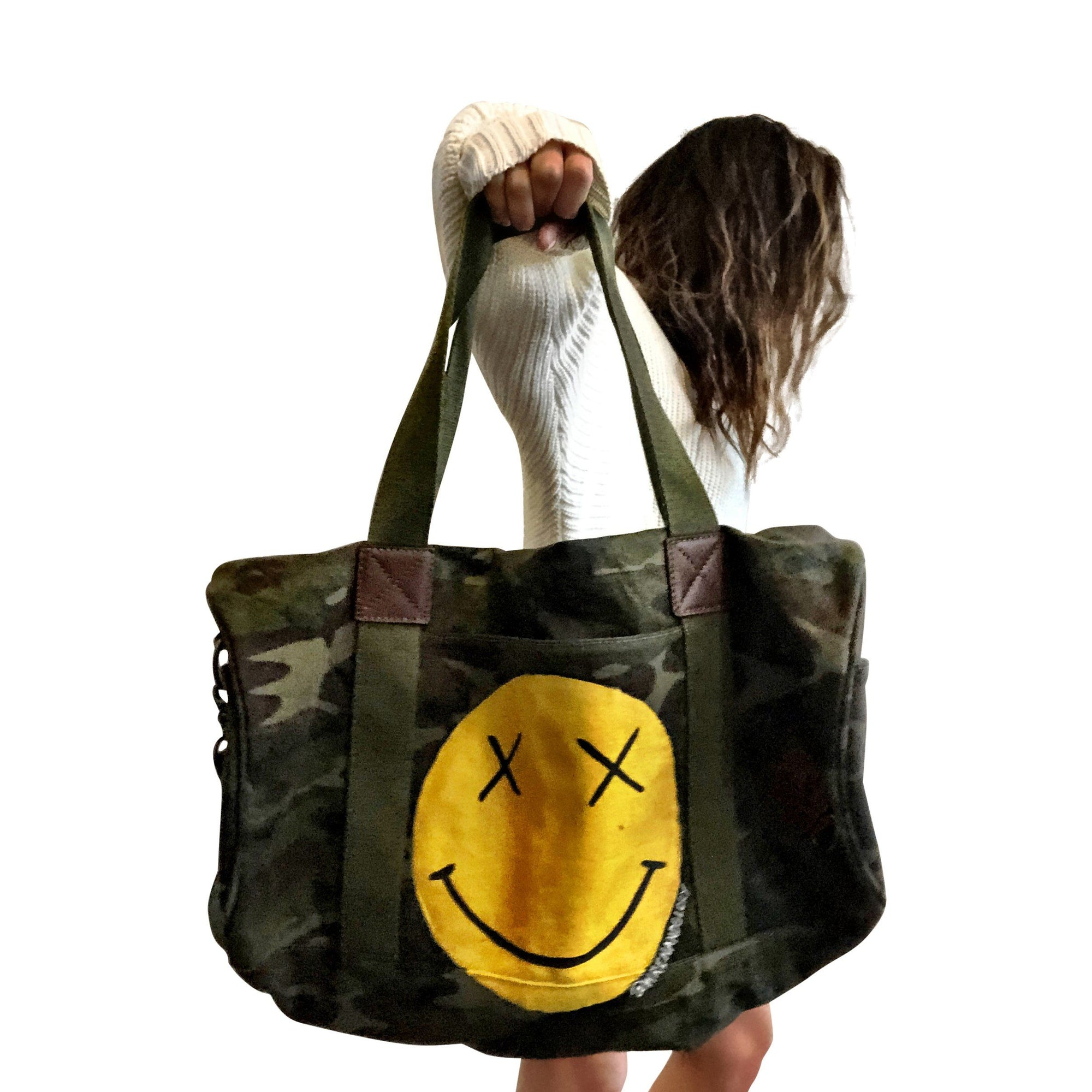 'SMILEY' DUFFLE BAG
