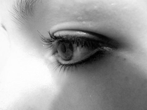 3 tips on how to reduce the appearance of dark circles and how to take care of your eye contour