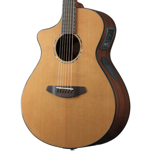 Breedlove Solo Concert Left-Handed CE Red Cedar-East Indian Rosewood Acoustic-Electric Guitar with Deluxe Gig Bag