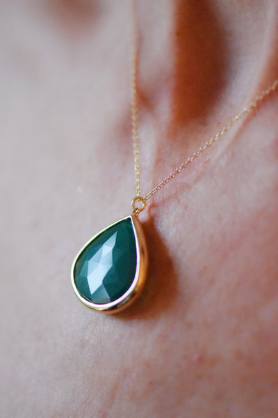 14 KT Gold Green Onyx Pendant: Benefitting Your Choice of Charity