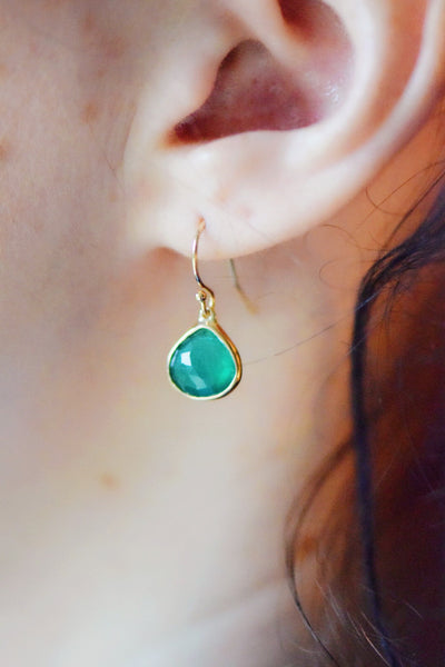 14 KT Yellow Gold Green Onyx Earrings: Benefitting Your Choice of Charity