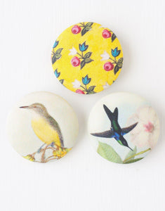 Lazybones Button Brooch Robin - Global Free Style