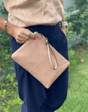 Louenhide Gracie Clutch Nude - Global Free Style