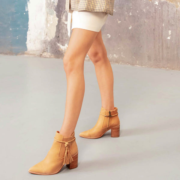 KYLA BOOTS - TAN LEATHER