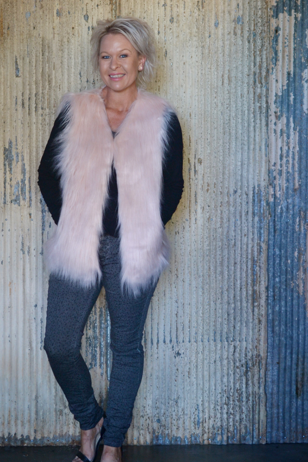 FAUX FUR VEST - SOFT PINK