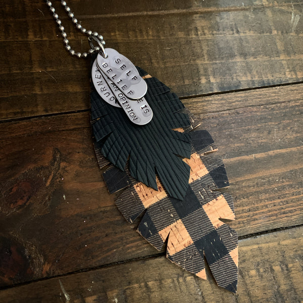 DOUBLE FEATHER & CHARMS NECKLACE - BLACK & TAN CHECKER