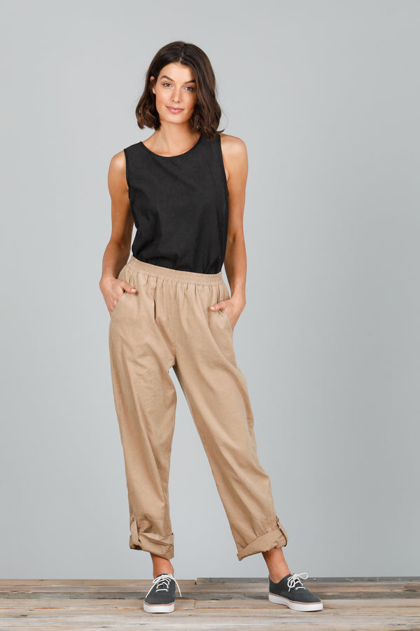 WONDERLAND PANTS - TAN