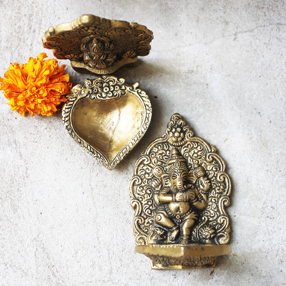 Pair of Ganesha & Lakshmi Brass Oil Lamps | Diyas. L 9 cm x H 11 cm x W 9 cm