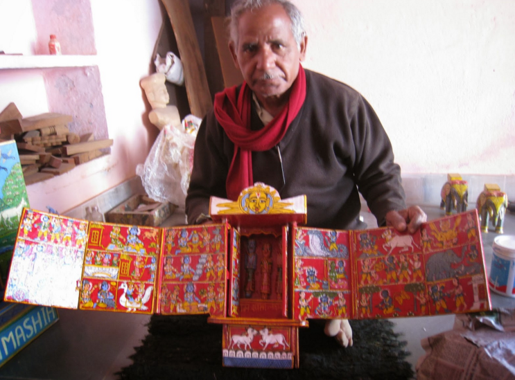 The Red Kavaad. Wooden 500 Year Old Art of Storytelling With Hand Painted Tales from The Ramayan. H 30cm x W10cm x D17cm