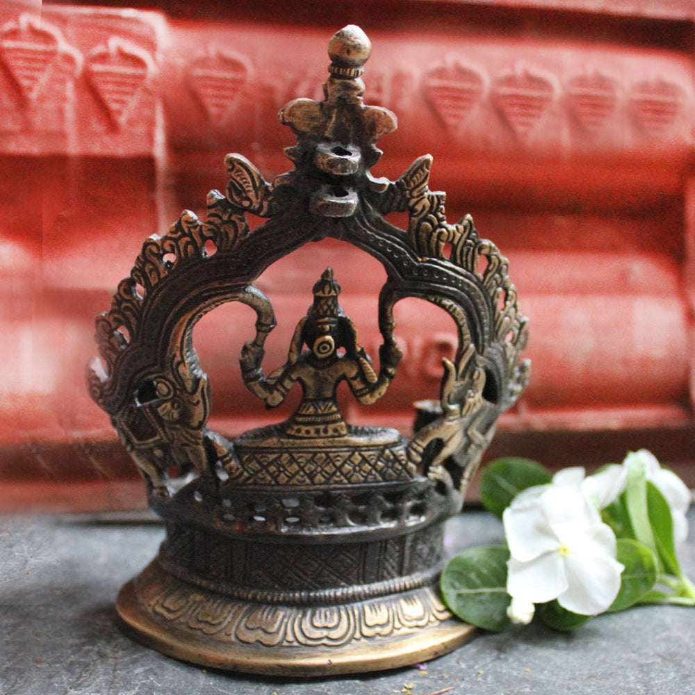 Vintage Kamatchi Vilakku - Divine Brass Oil Lamp Of Lakshmi - Goddess Of Wealth. Height 16 cm x Width 13 cm