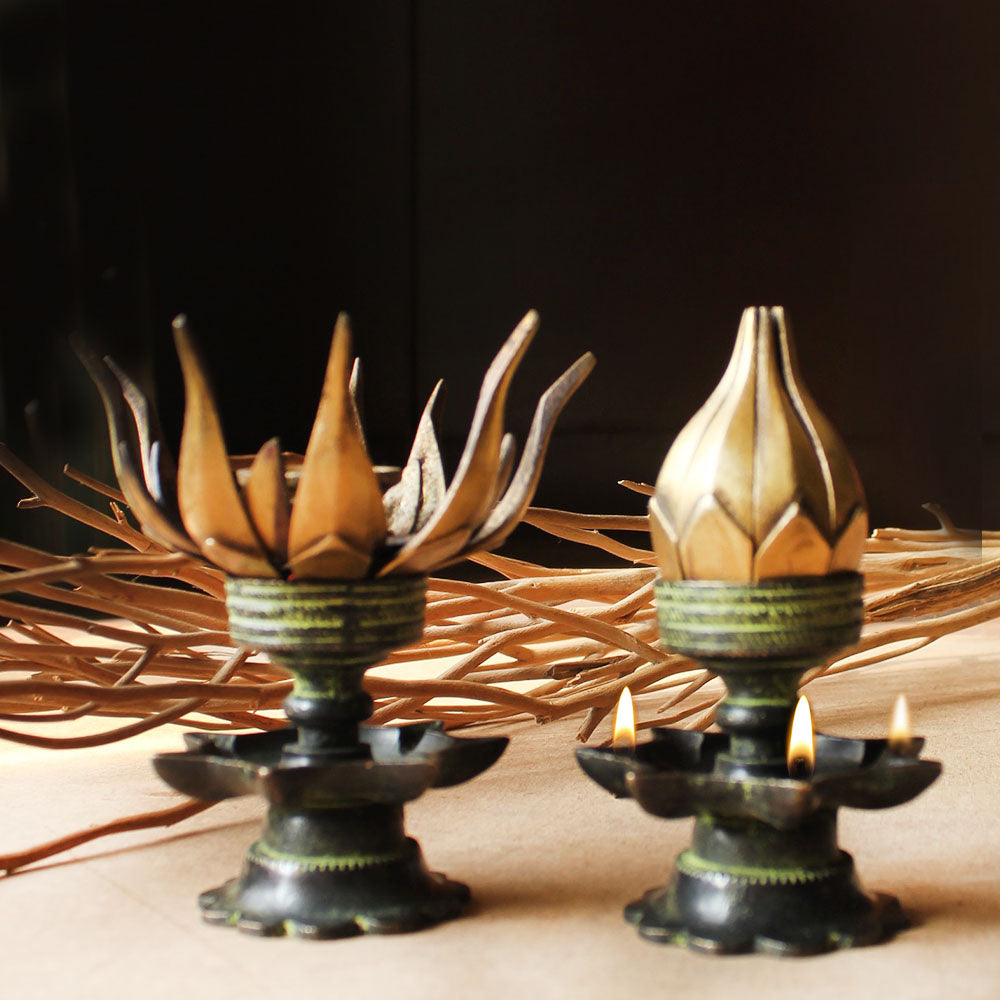 Set Of 2 Vintage Lotus Oil Lamps With 16 Lotus Petals & 8 Oil Diyas - H 12 cm x W 8 cm - theindianweave