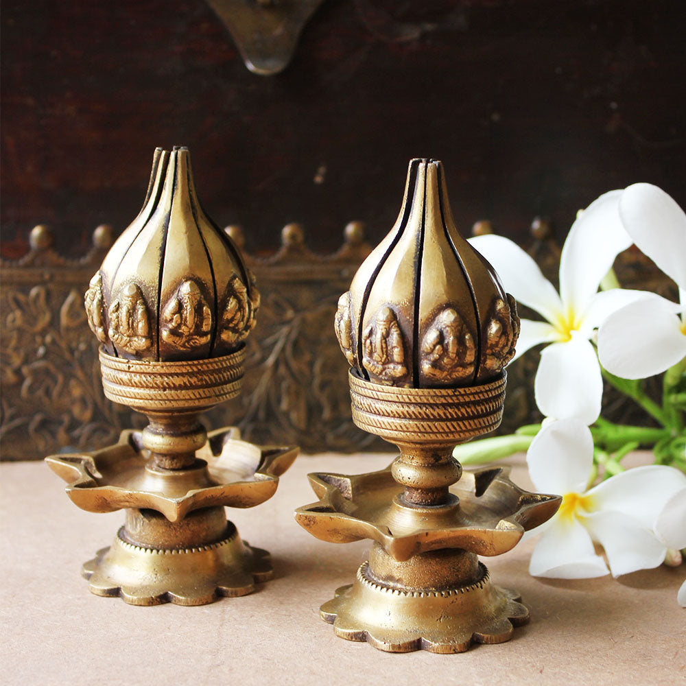 Pair Of Vintage Brass Oil Lamps Made Of Sixteen Lotus Petals With Lord Ganesha & 8 Oil Diyas - H 12 cm x W 8 cm