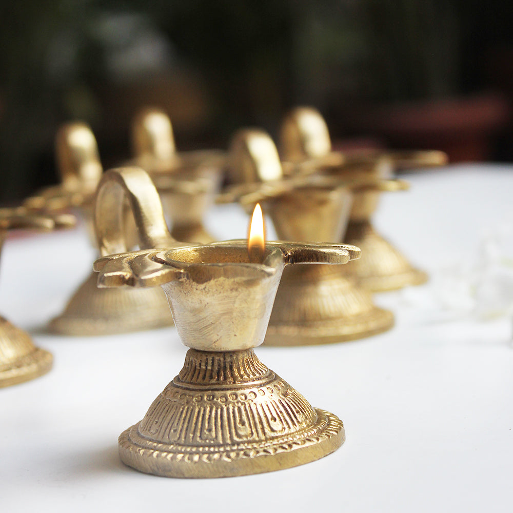 Collection Of 6 Vintage Brass Oil Lamps With An Exquisite Lotus Design - L 9 cm x W 5.5 cm x H 4 cm