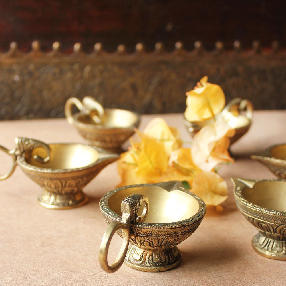 Collection Of 6 Vintage Brass Oil Lamps With An Exquisite Elephant Handle & Floral Pattern - L10 cm x H 4.5 cm - theindianweave