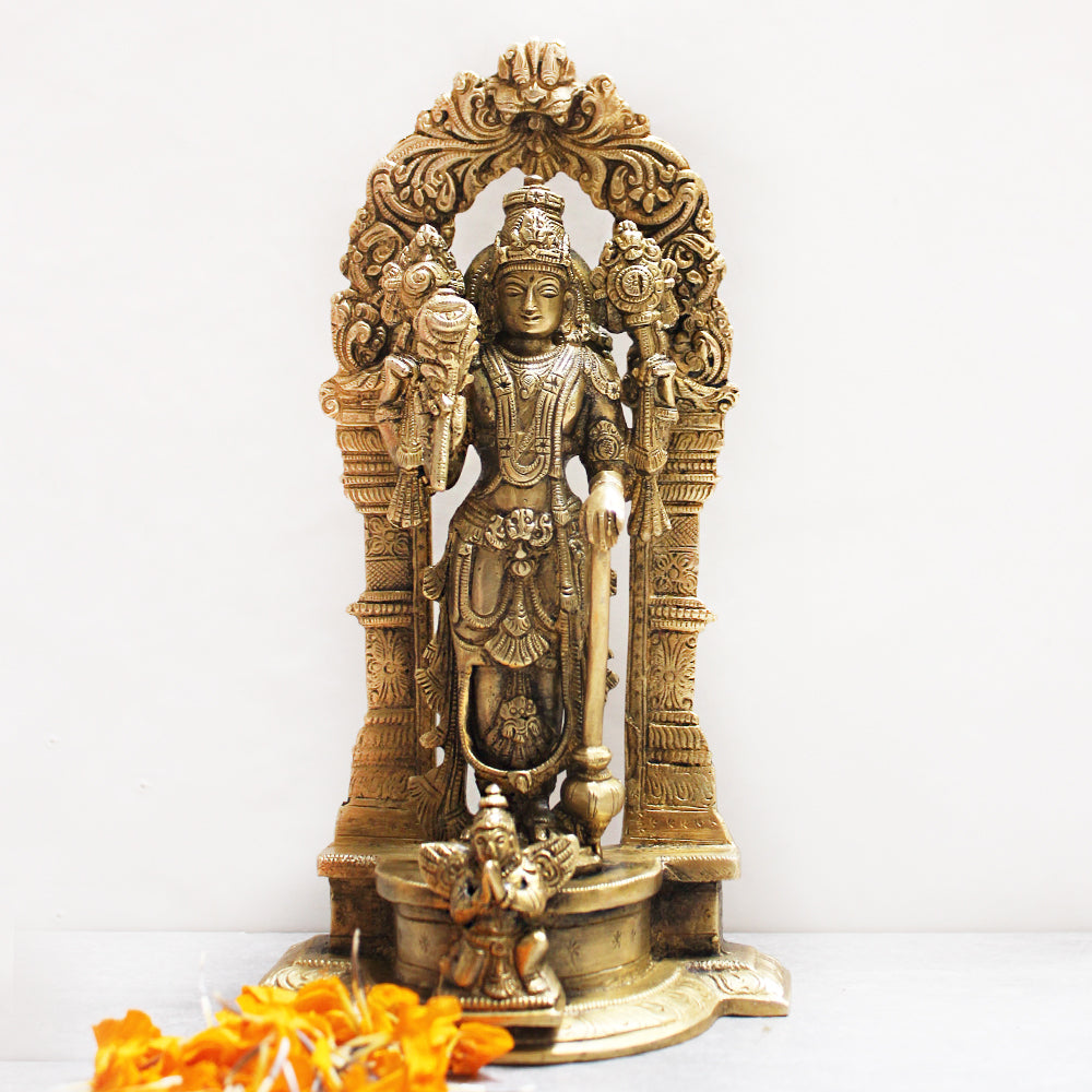 Majestic Brass Sculpture of Lord Vishnu - Protector Of The World. Height 24 cm x Width 13 cm