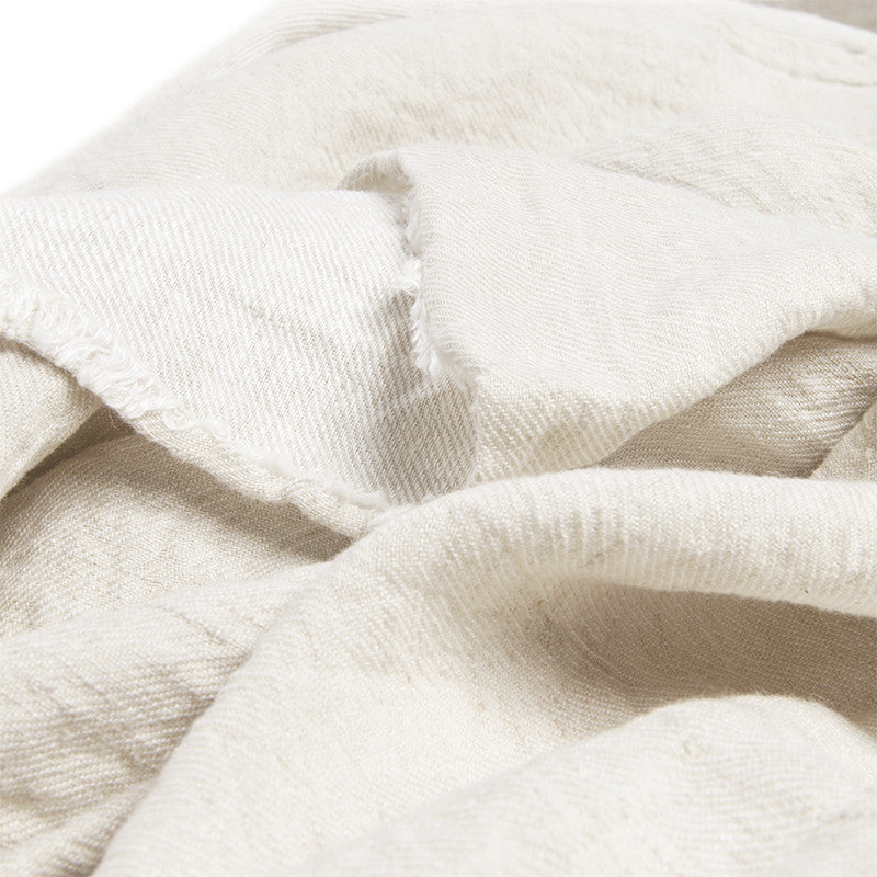 Linen throw almond