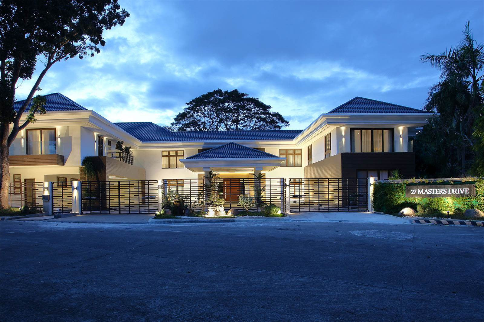 9 Bed House OUTHWOODS RESIDENTIAL ESTATES, CARMONA, CAVITE, PHILIPPINES
