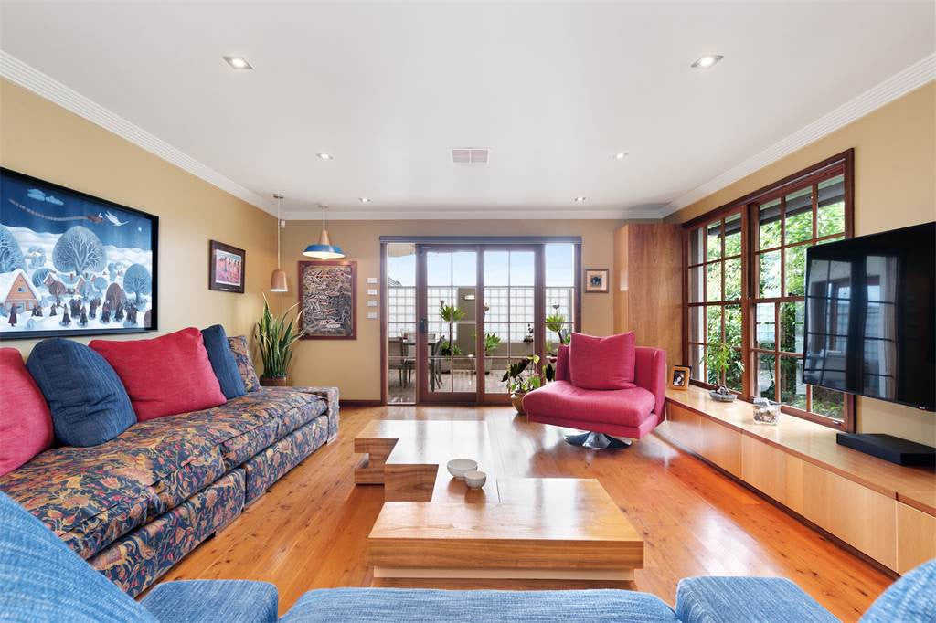 5 BED FAMILY HOME SYDNEY, NEW SOUTH WALES, AUSTRALIA
