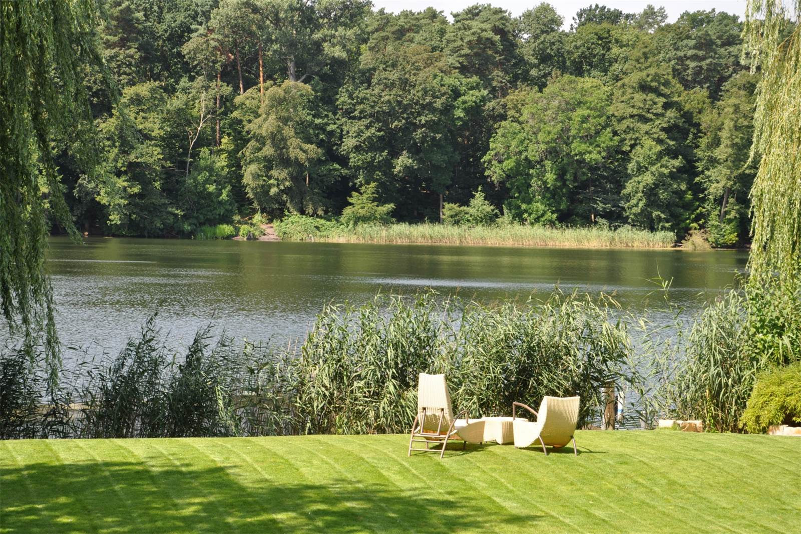 11 BED VILLA WITH IMPRESSIVE LAKE VIEWS, BERLIN, GERMANY