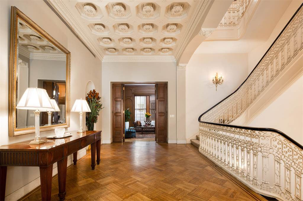 9 Bed Stunning Mansion in most sought area of New York, USA