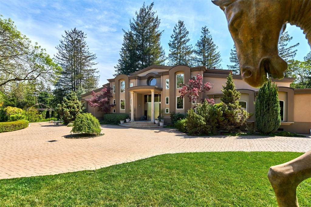 8 Bed Equestrian Estate, Los Altos Hills, California U.S.A