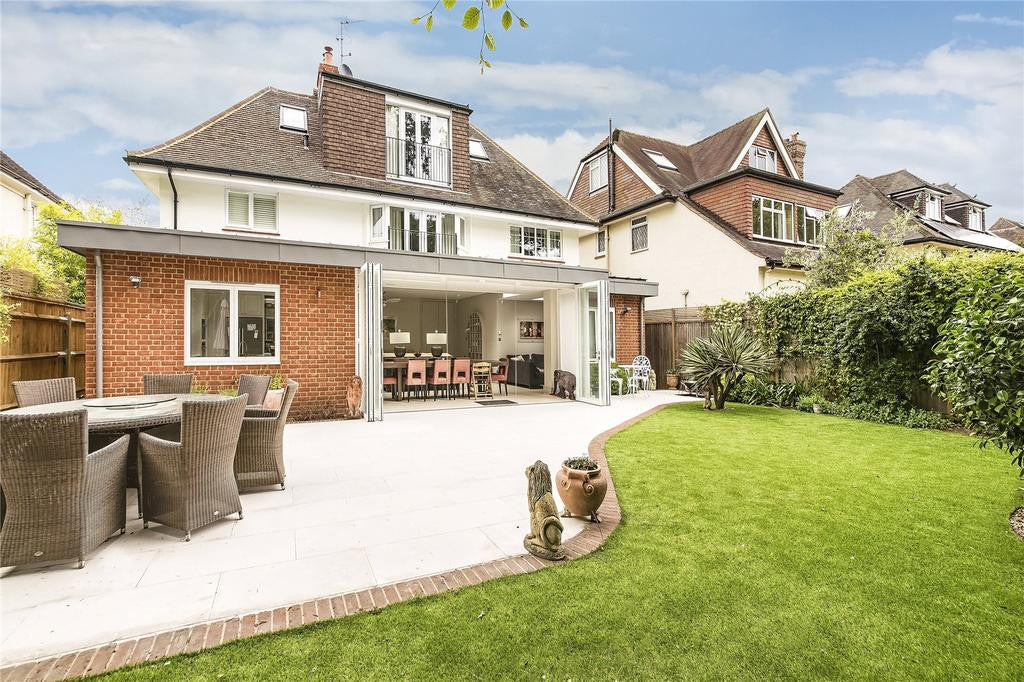 Large House for Sale in Hersham