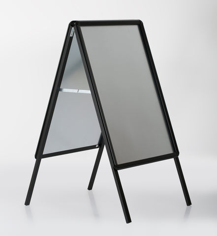 DittaDisplay Retail solutions panneau troittoir stop display double chevalet publicitaire aluminium noir Bürgersteigschild Haltestellendisplay doppelte schwarz Aluminium-Werbetafel pavement sign stop display double aluminium black advertising easel