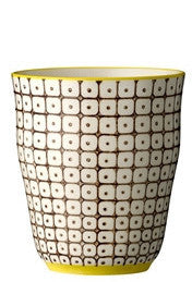 carla square pattern cup brown with yellow rim