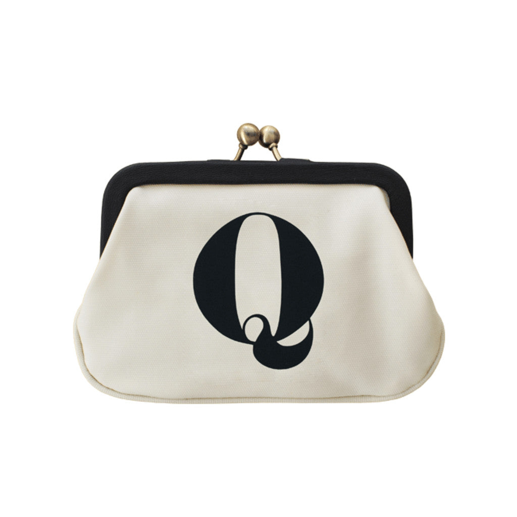 letter Q coin purse accessories