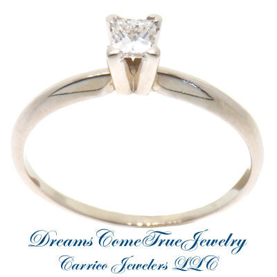 14K White Gold 0.27 Carat Princess Diamond Engagement Ring