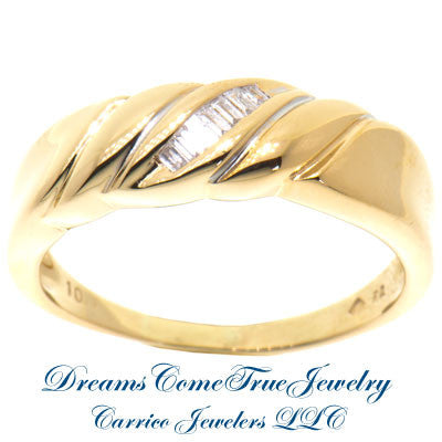 0.15 CTW 7 Diamond Men's 10K Yellow Gold Band