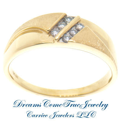 0.30 CTW 6 Diamond Men's 10K Yellow Gold Wedding Band