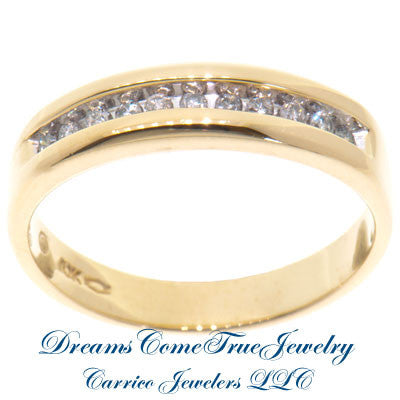 0.33 CTW 11 Diamond 10K Yellow Gold Band