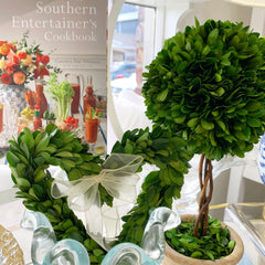 Boxwood Heart Wreath Small
