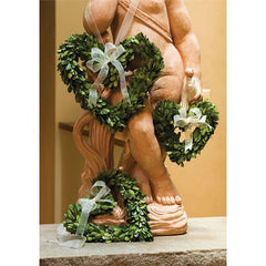 Boxwood Heart Wreath Medium