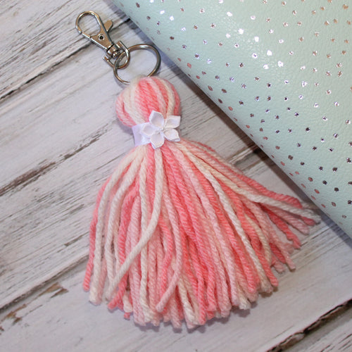 Fluffy Tassel // Flamingo