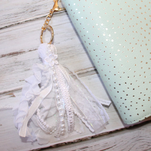 Ribbon Tassel // White