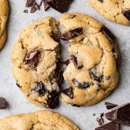 Fun Mother-Daughter Recipes For Daughters Ages 10 and Under: Chocolate Chip Cookies