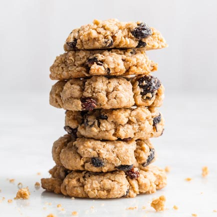 Recipes for Healthy Family Desserts: Oatmeal Raisin Cookies