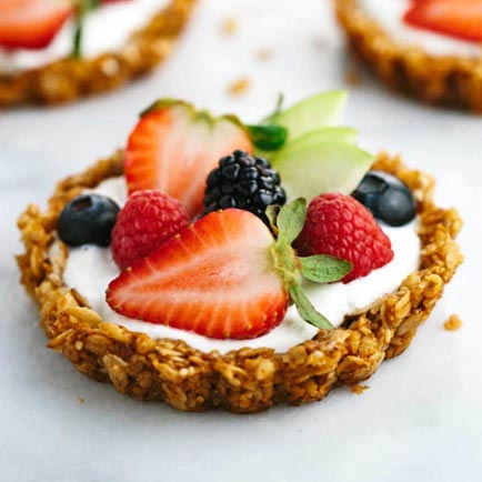 Recipes for Healthy Family Desserts: Cereal Tarts with Yogurt and Fresh Fruit