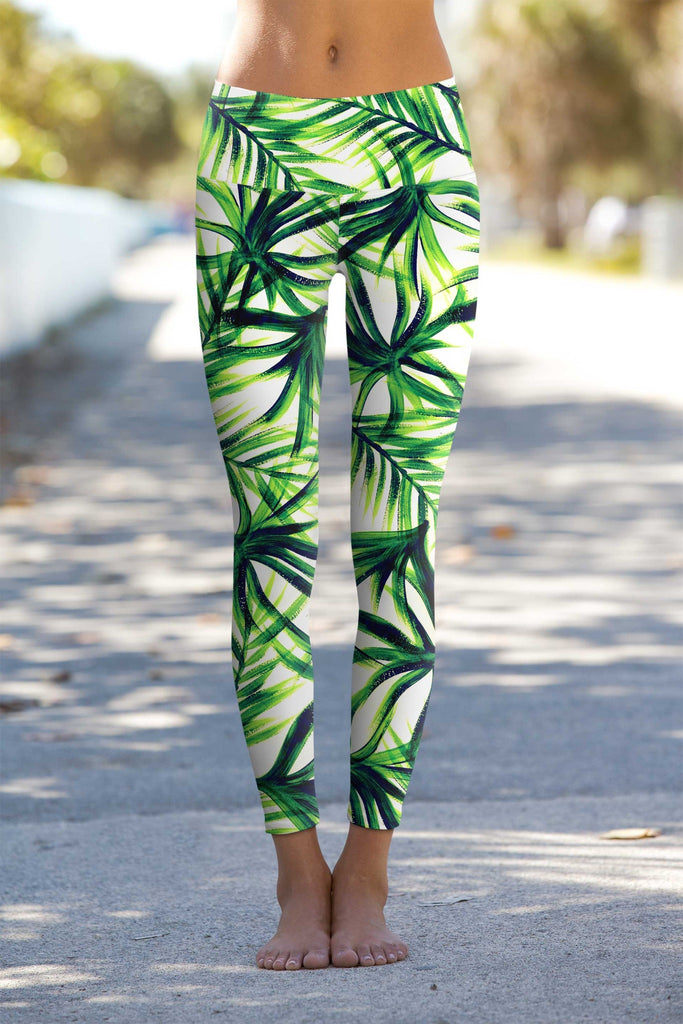 ISLAND LIFE LUCY FLORAL PRINT PERFORMANCE LEGGINGS