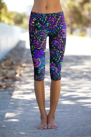 Midnight Glow Ellie Performance Capri Leggings - Women - Pineapple Clothing